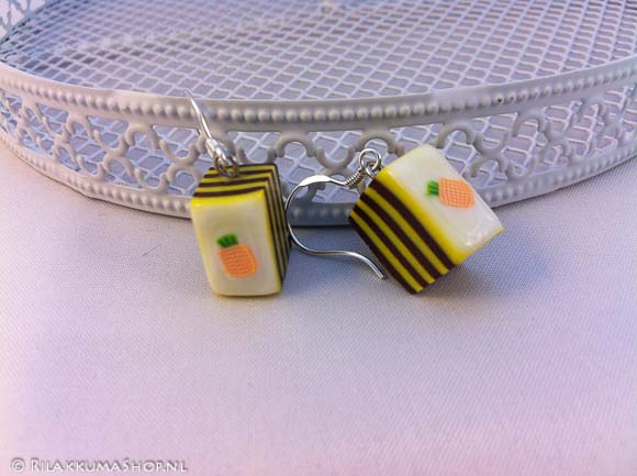 Kawaii Cute pineapple cake earrings