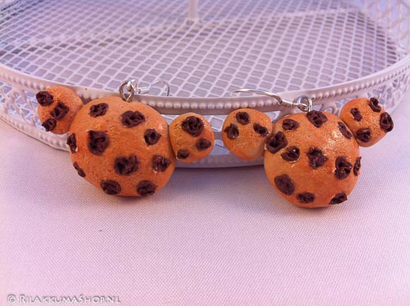 Kawaii cute Rilakkuma Chocolate chip Cookie earrings