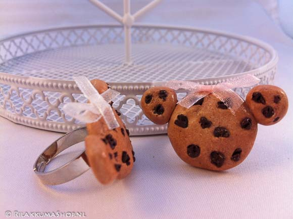 Kawaii cute Rilakkuma Chocolate chip Cookie rings
