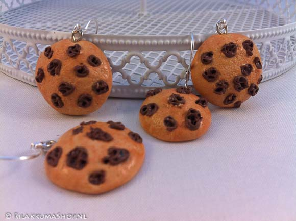 Kawaii cute Chocolate chip Cookie earrings
