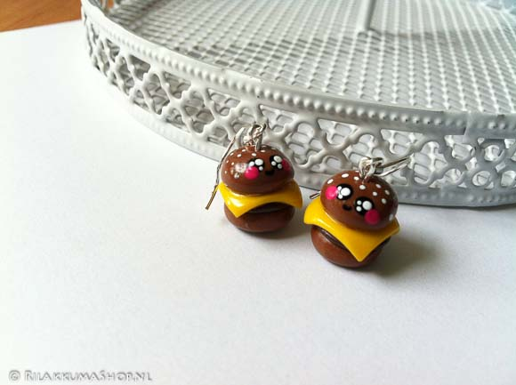 Kawaii so cute burger earrings