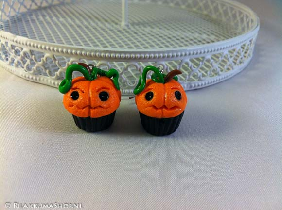 Kawaii Halloween Pumpkin Cupcake earrings