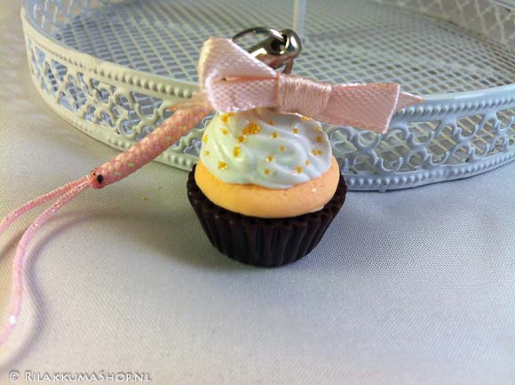 Kawaii cute Cupcake on Cell Phone Strap
