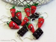 Kawaii Strawberry Cake, Strawberry, Chocolate Bars earrings rilakkumashop.nl