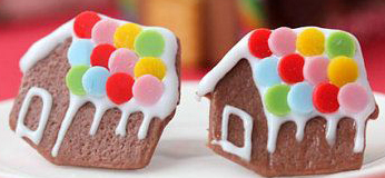 Gingerbread House earrings
